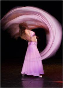 Unterrichtskonzept des orientalischen Tanzes. Asita beim Double Veil.