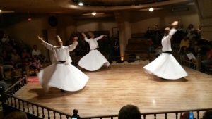 Tanzende Derwische beim Drehtanzritual.